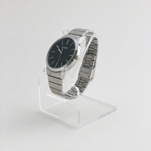 Plastový stojan na hodinky
