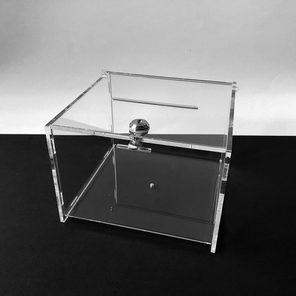 Plexi urna 21x21x15 cm s hrúbkou 5 mm, vhodná na pripevnenie ku stolu